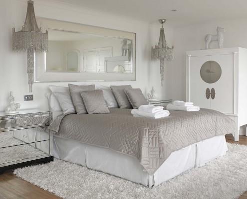 Angmering On Sea Luxury Holiday Rental_WhiteBedroom