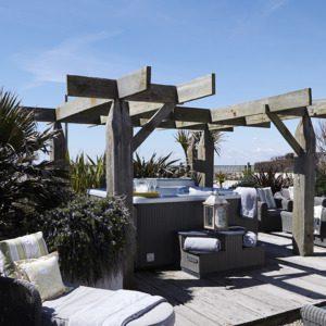 luxury beachfront houses